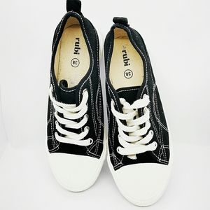 Rubi Black and white runners size 38